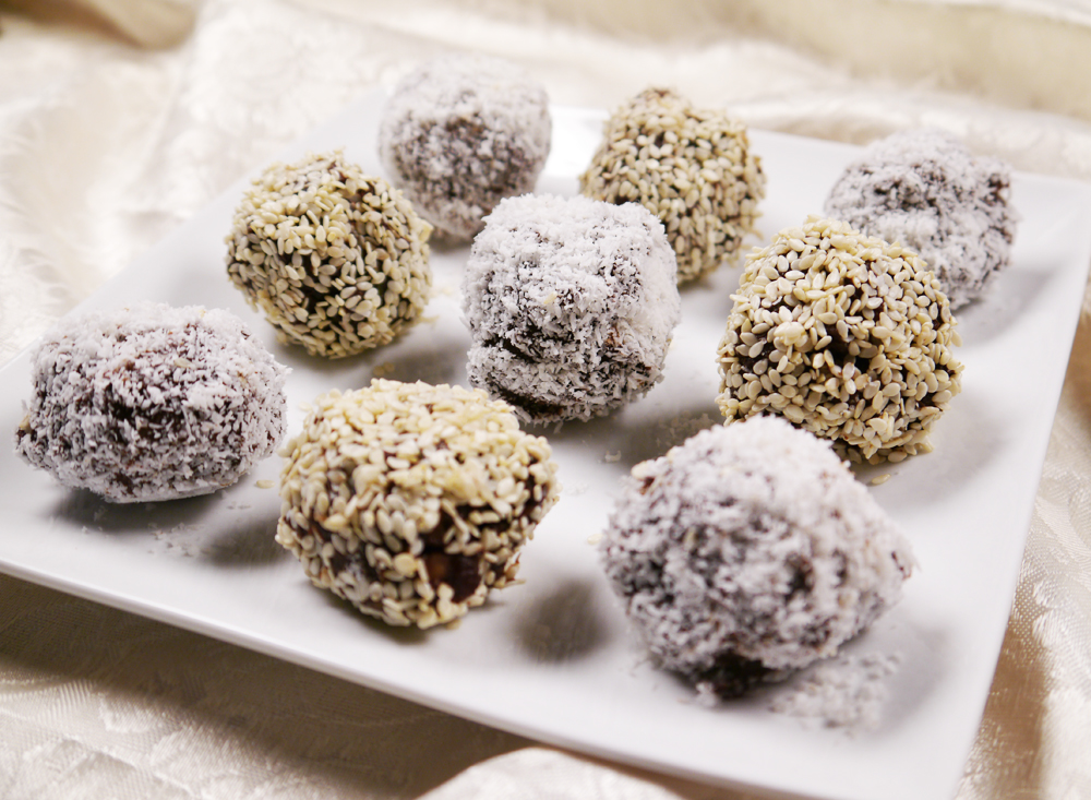 clean eating chocolate date balls