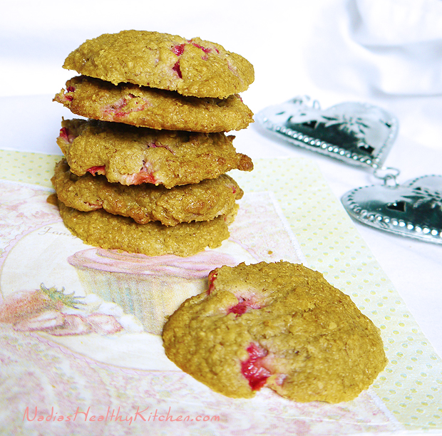 clean eating banana strawberry cookies