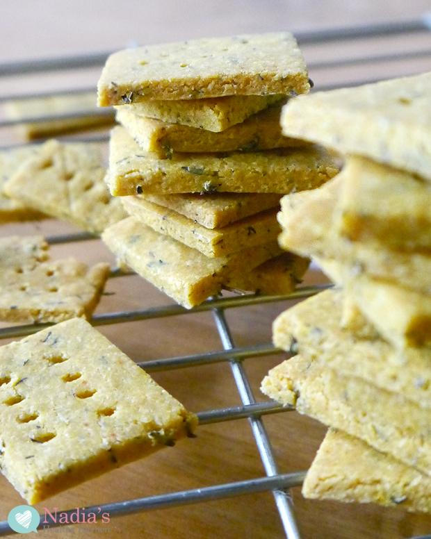 vegan-cheese-crackers