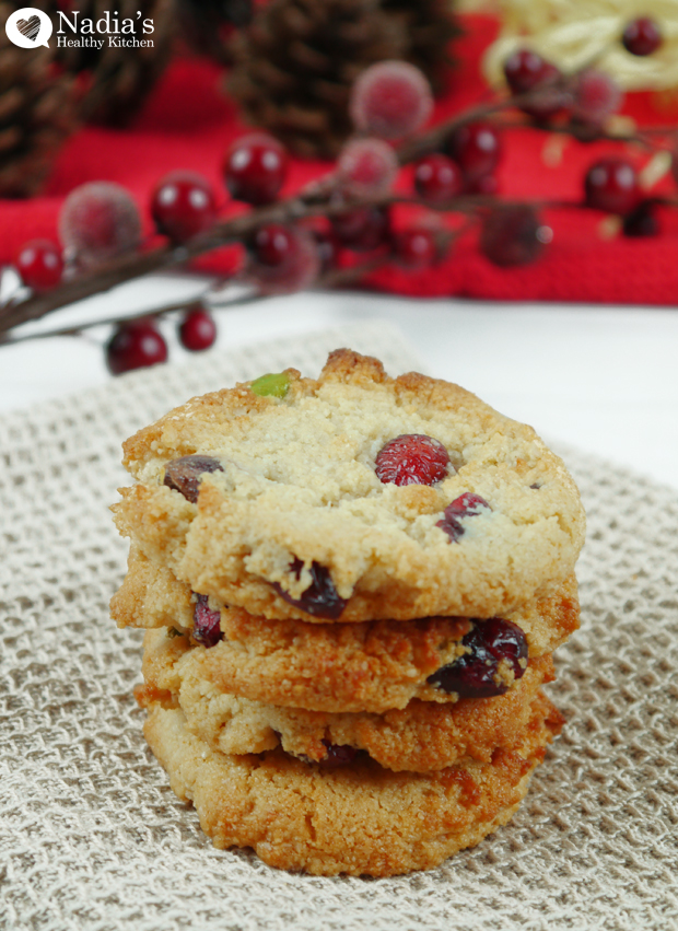 almond-cranberry-and-pistachio-cookies