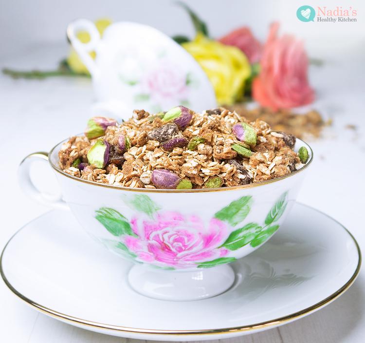 healthy-tahini-granola