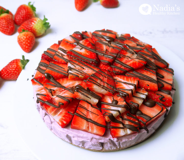 raw strawberry cheesecake