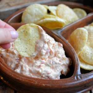 Popping-the-Weight-Loss-with-Smoky-Low-Calorie-Cheese-Pimento-Dip-and-Chips-7-680x559