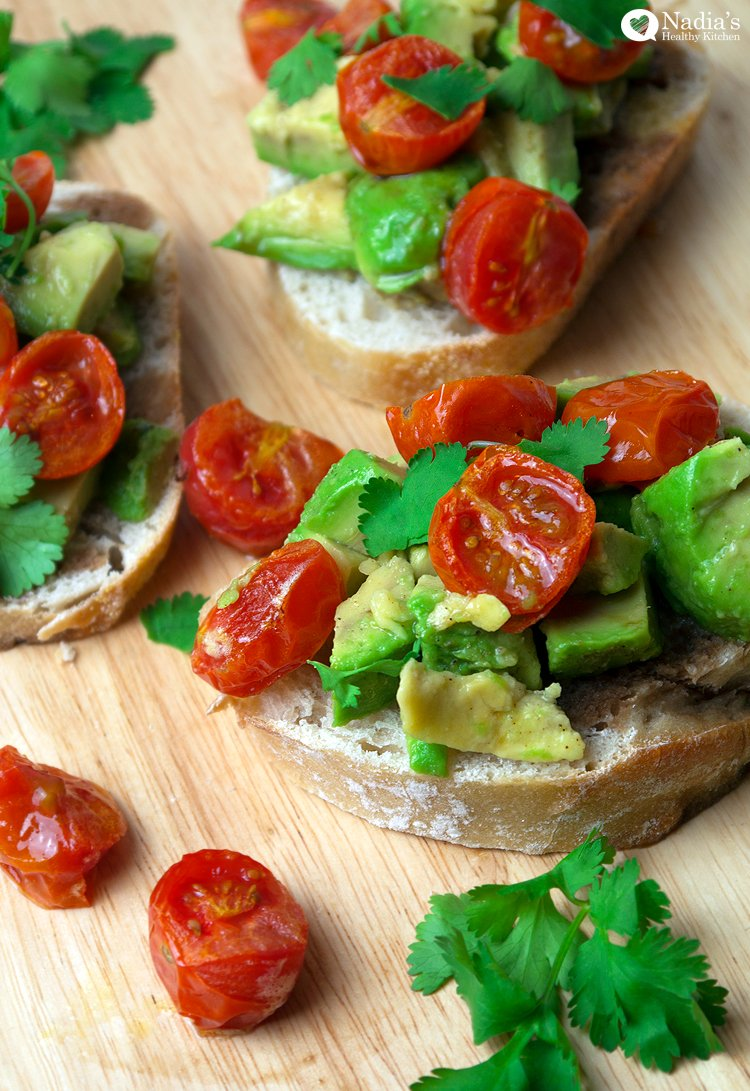avocado tomato bruschetta