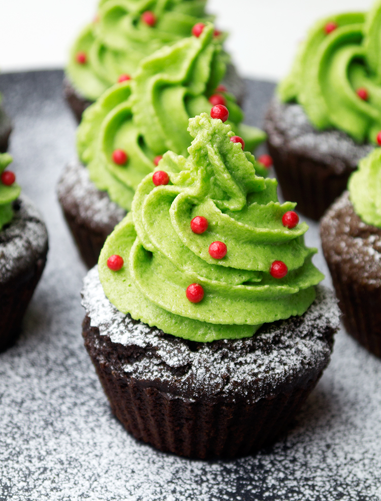 healthy Christmas Tree Cupcakes