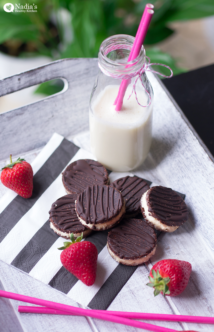 raw-chocolate-cream-cookies_4