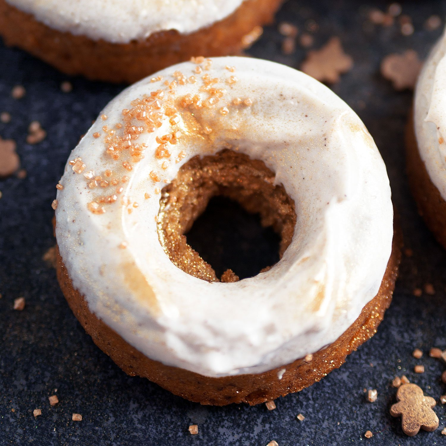 vegan-gingerbread-doughnuts