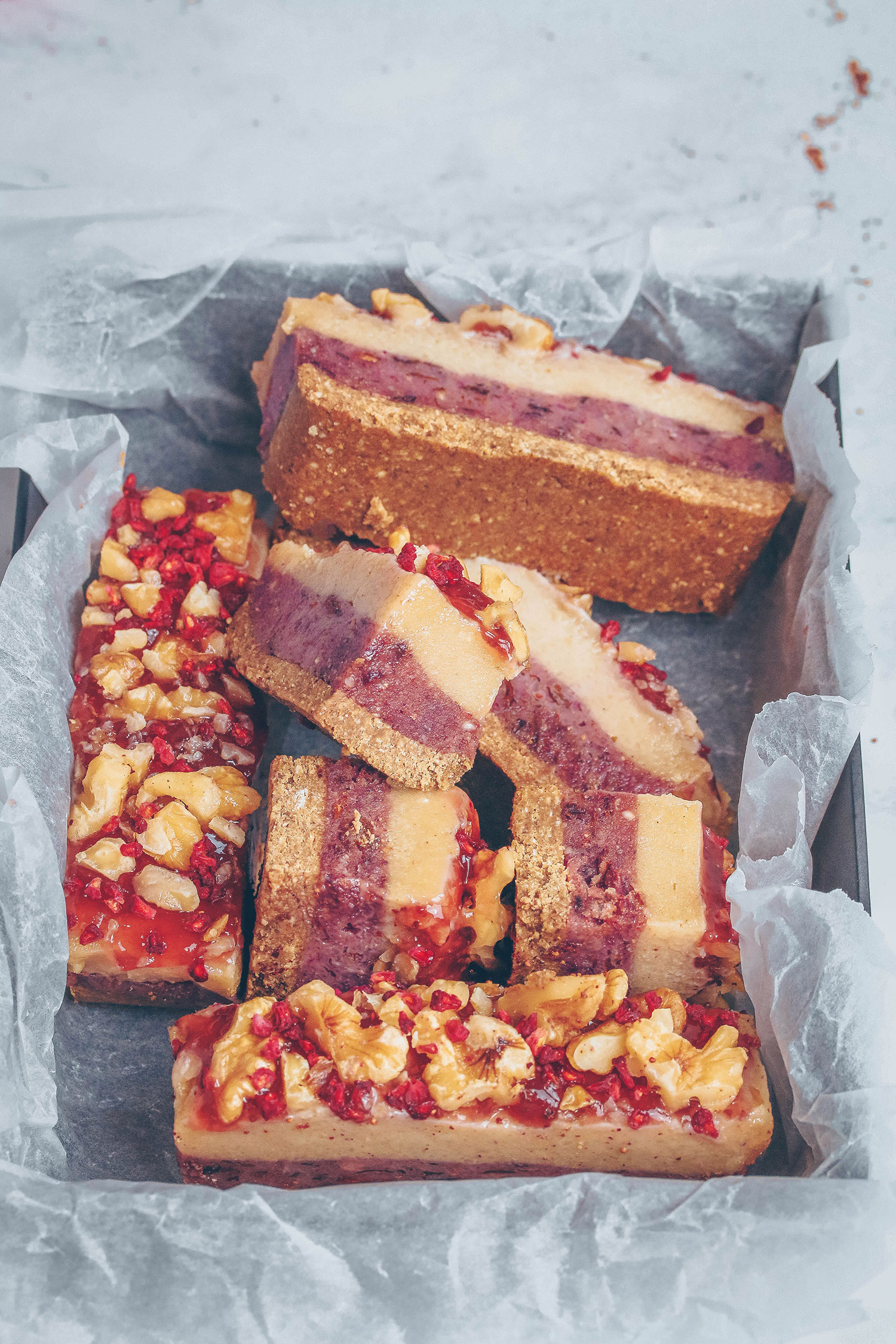 No-bake Walnut Strawberry Bars (Vegan & Gluten-free)