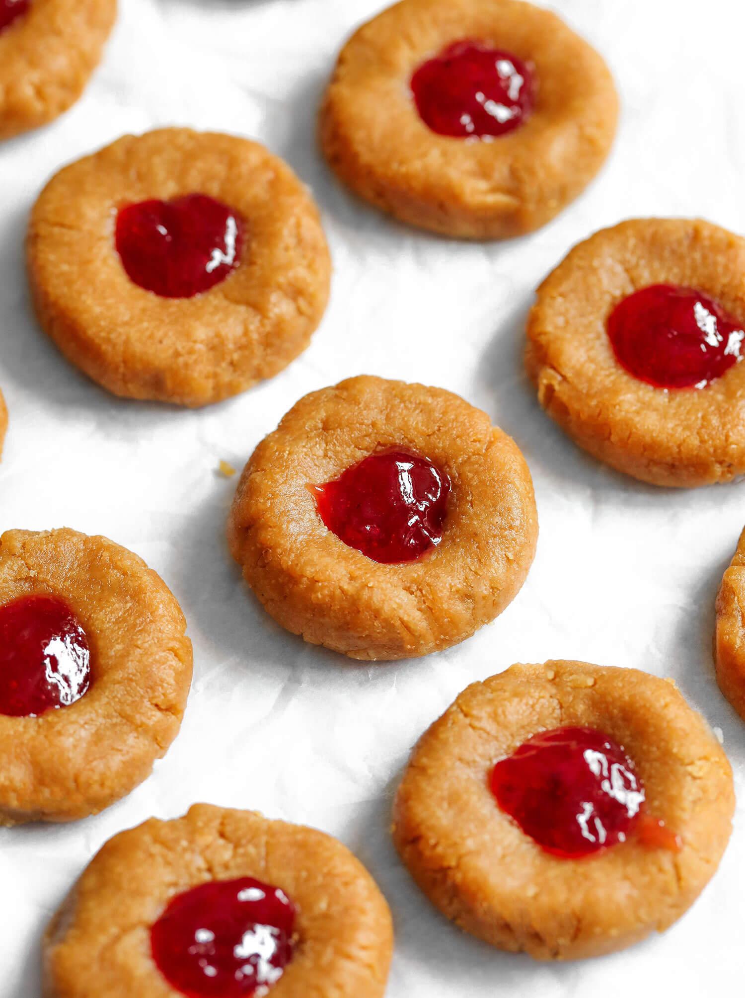 Cookies de impressão digital PB&J vegana não assados - Blog de saúde do Reino Unido 6