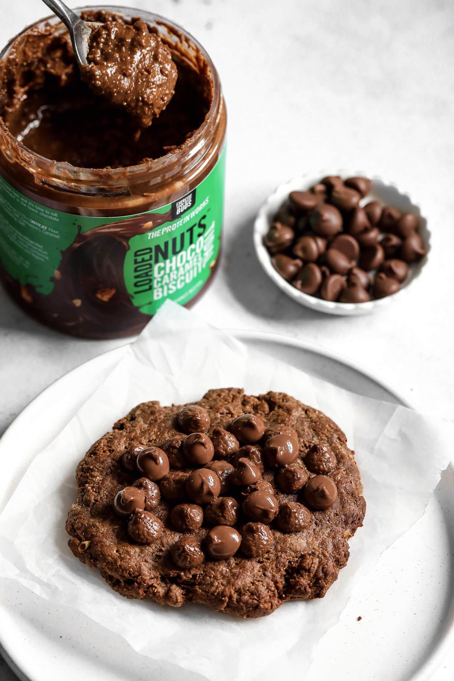 Cookie de proteína de chocolate de dose única vegana - UK Health Blog 6