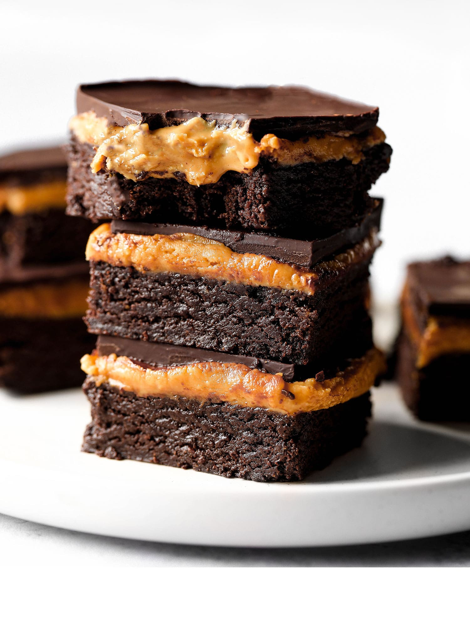 5-Ingredient No-bake Peanut Butter Brownies